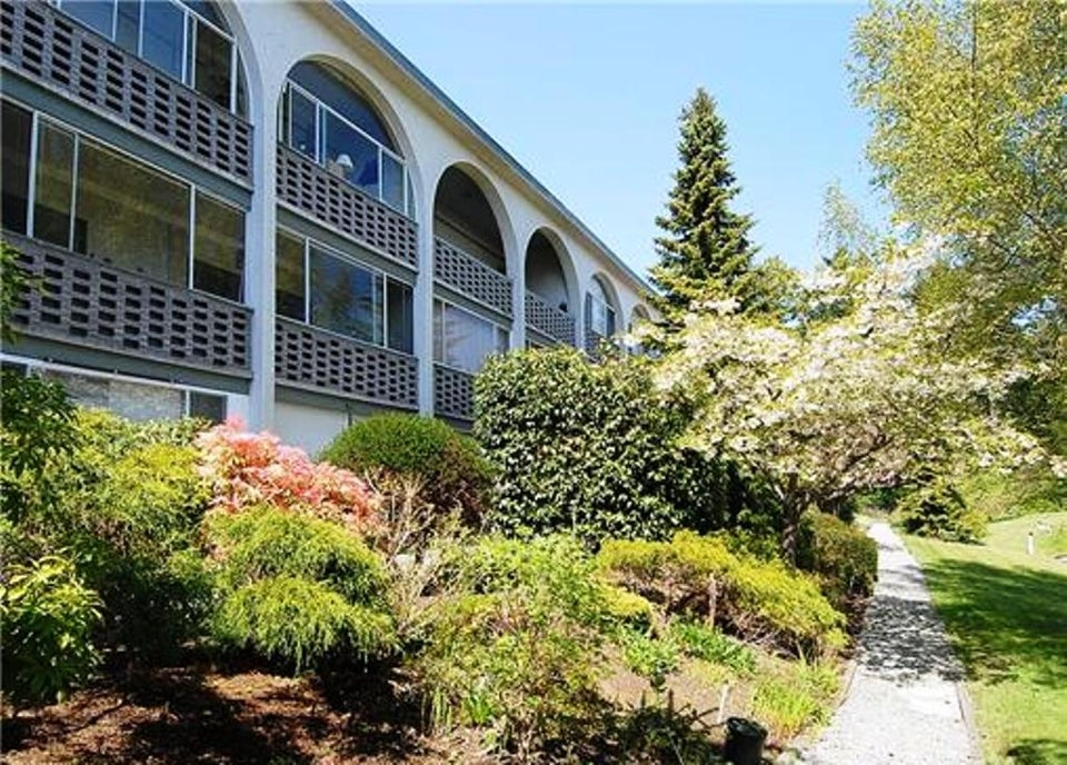 206-2040 White Birch Road Sidney BC - Si Sidney North-East Condo Apartment for sale, 1 Bedroom (289338) #1