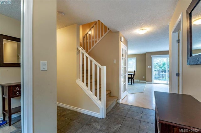 588 Kingsview Ridge - La Mill Hill Single Family Detached for sale, 5 Bedrooms (407924) #2